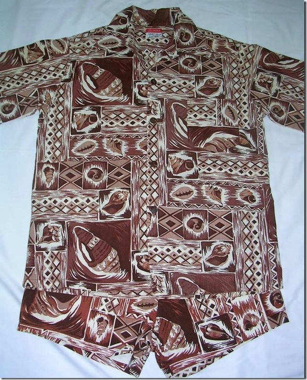 Mullen and Bluett, Hawaiian Outfit