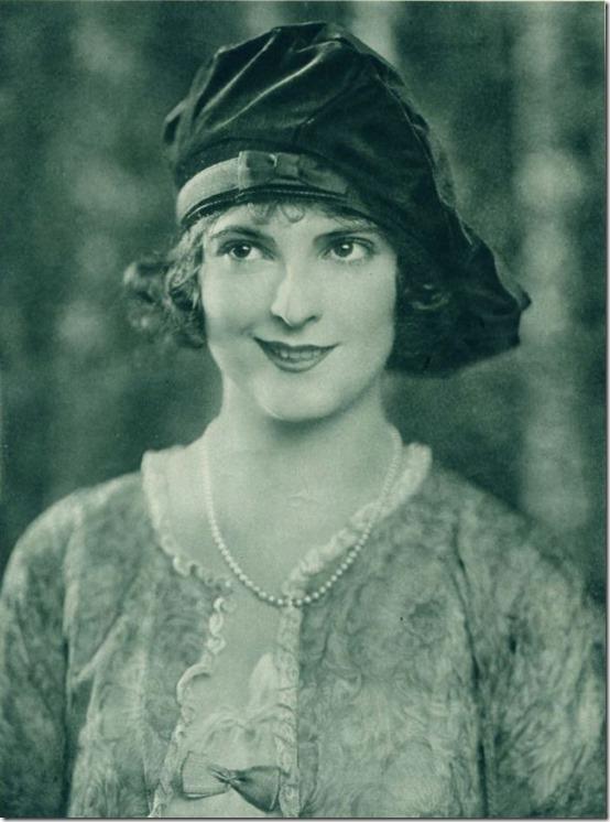 Priscilla_Dean_-_Photoplay_Jan_1921_Page_21