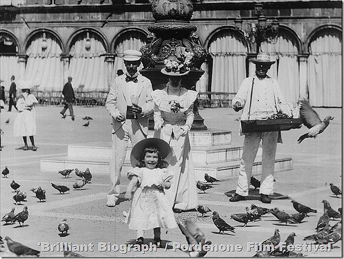 7_Biograph_Venice_pigeons